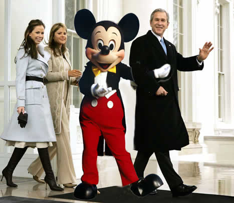 Bush_et_mickey_opt_1